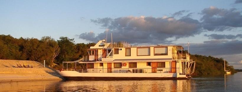 golden-dorado-river-cruiser