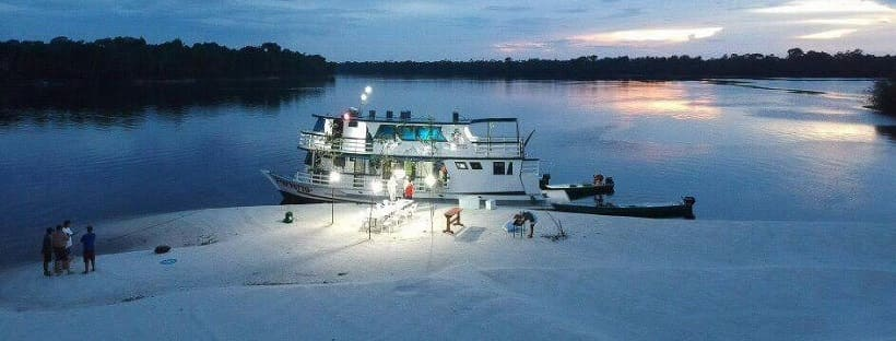 barco-hotel-perversa